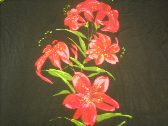 RESERVED FOR MELISSA vintage 70s large scale novelty print fabric featuring bold floral motif, 2 yards