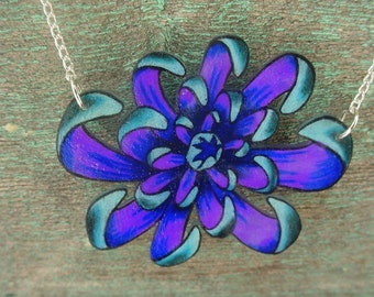 japanese purple and blue spider mum flower necklace