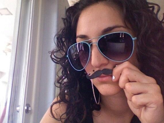 TATTOO mini moustache necklace