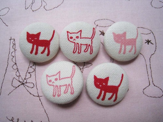 7\/8 inch sew on buttons - Red Cats- set of  5
