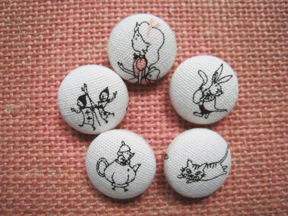3/4 inch sew on buttons - Alice in Wonderland - Set of  5