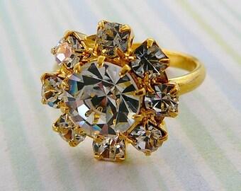 Vintage .. Ring, Rhinestone Clear Czech Round statement