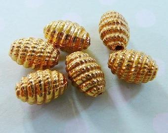 Vintage .. Beads, Goldtone Oval Beehive