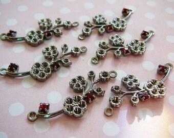 Vintage .. Link, Gunmetal Flower Vine, connector garnet red