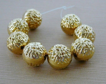 Vintage .. Beads Gold Tone 12mm Bumpy Resin