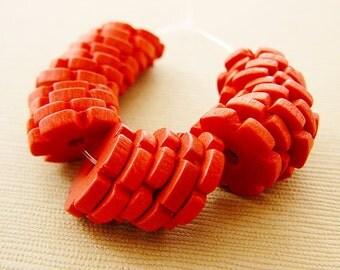 Vintage .. Wood Beads, Flower Spacer, Red