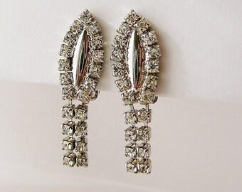 Vintage .. Rhinestone Earrings, Czech, Clear, Dangle Clip On vintage bride wedding jewelry