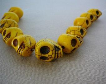 "Gemstone Bead, Skull, 18mm, Howlite, Yellow, 8"" strand, Day of the Dead, Goth"