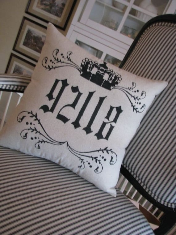 Crown/Message pillow