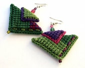 PATCHWORK - Earrings, Fiber, Green, Violet, Magenta, Fuchsia, Triangles, Cotton yarn, Boho, Folk, Hippie, Crochet, Crystals