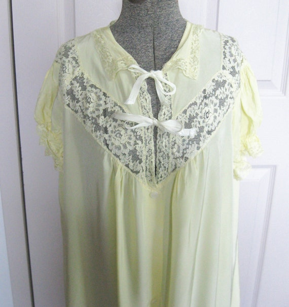 Sunshine  YELLOW  ROBE / Shrug by Countess Layne 1940s SALE