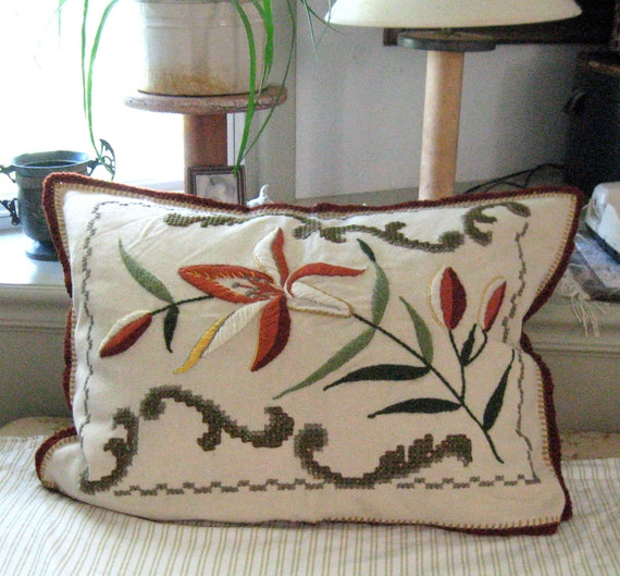 Vintage CREWEL EMBROIDERED PILLOW  1930s