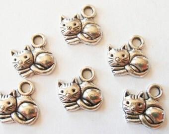 10 Kitten Charms 15x12x3mm Item:M7