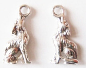 10 Wolf Charms 21X10mm (3D double sided) Item:M13