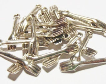 15 Fork Charms (3D) 25x5mm ITEM:S4