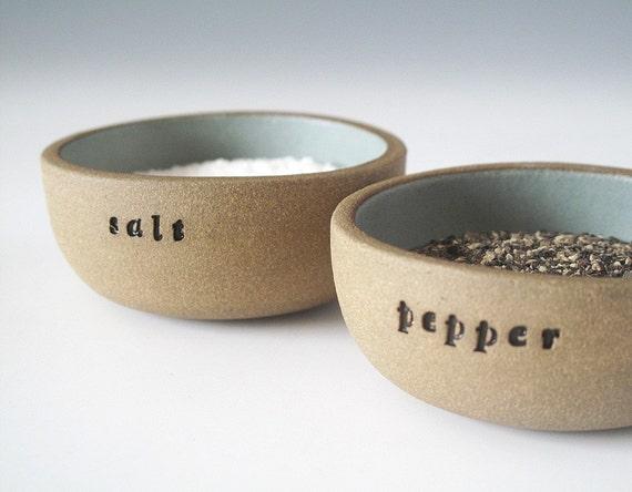 salt and pepper (pale blue)