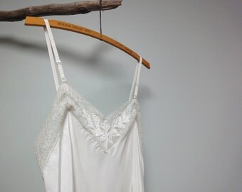 Lacy 1940s Rayon Slip, Antique White, Ecru, Delicate Beautiful Lace, Size 34