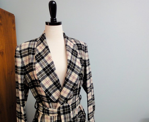 Vintage Pendleton 1950s Womens Bathrobe Wool Tartan plaid Cream, Black, Wine Red