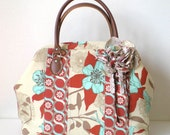 Patchwork Boston bag with a corsage- Flower in beige