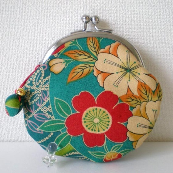 Round Coin Purse with a little shell charm- Kimono flower green