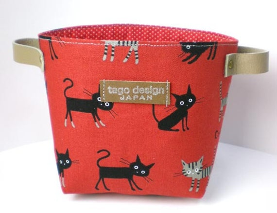 Fabric basket with leather handles, Cat in red