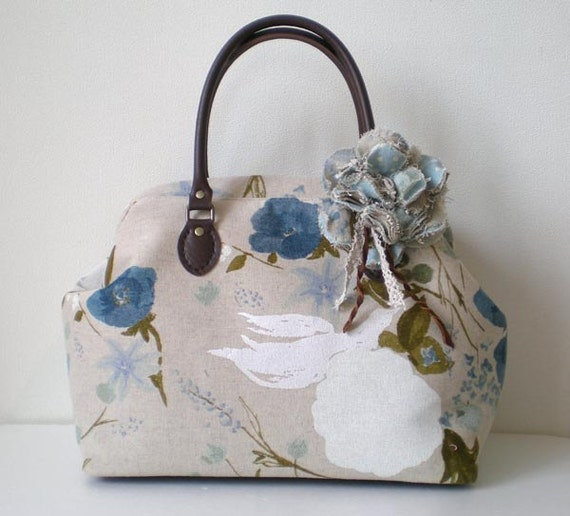 Boston bag with a corsage- Bird and Flower Linen