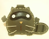 Ronnie the Raccoon Leather Keychain ( Gray )