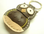 Lovely Fiona the Owl Leather Keychain ( Dark Brown )