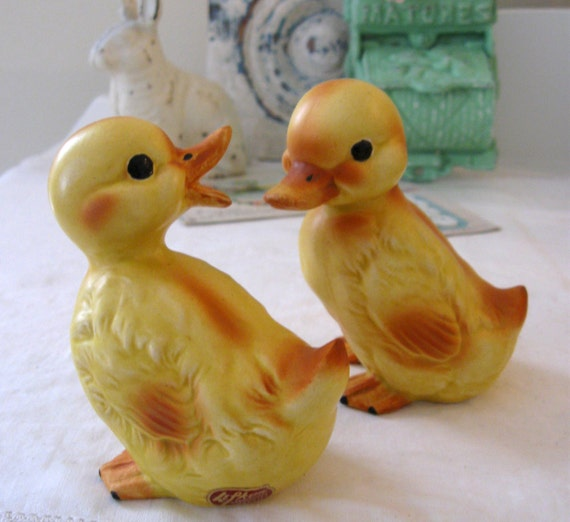 Small Vintage Lefton Baby Duck Pair