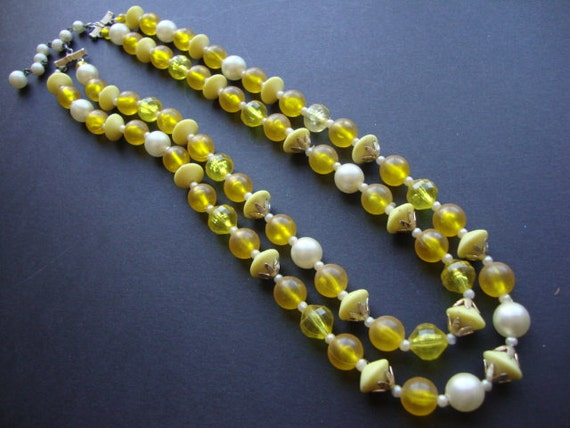 1950's Summertime Yellow Beaded Choker Necklace