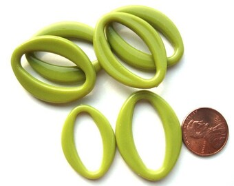 Dozen of Lime Green Acrylic 35mm x 25mm and 30mm x 20mm Oval Links, 1048-43
