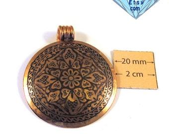 Antiqued Copper 40mm Round Pendant, 1064-03