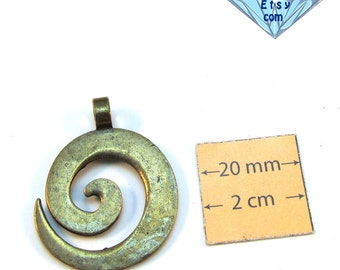 Antiqued Brass  30mm x 25mm Swirl Pendant, 1067-22
