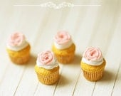 Miniature Food - Rose Cupcakes For Lati Yellow Pukifee - BJD Food