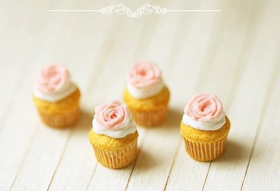 Miniature Food - Rose Cupcakes For Lati Yellow Pukifee - BJD Food