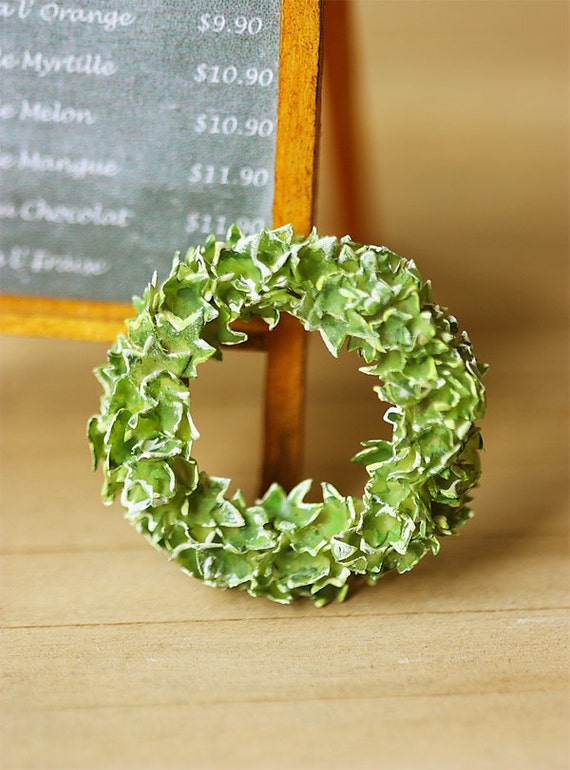 Dollhouse Miniature Plant - English Ivy Wreath 1/12 Scale Miniatures