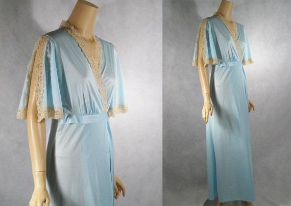 Vintage 1980s 80s Pale Blue Wrap Robe with Split Lace Sleeves Sz M