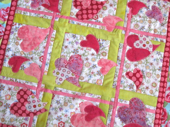 HEARTS AFLUTTER Quilt Wall Hanging Table Runner from Quilts by Elena