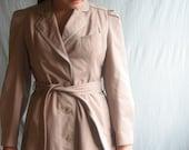 vintage trench coat / lavender tan / m-l