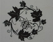 Bee-coming Grapevine- Metal Art/Wall Hanging