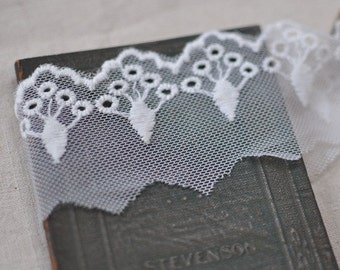 4.4cm x 1yard (offwhite) cotton net embroidery lace trim (S278)