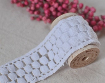 3.5cm x 1yard (white) cotton crochet lace trim (S375)