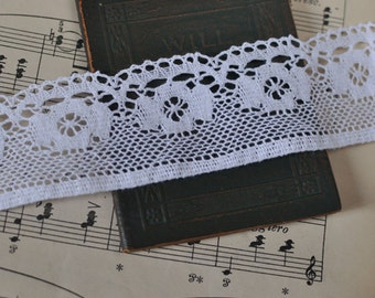 4.3cm x 1yard (white) cotton crochet lace trim (S451)