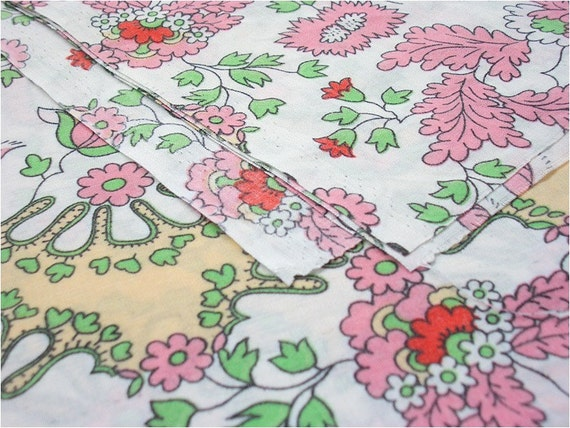 463 - Floral Cotton Fabric - 58 Inch (Width) x 1/2 Yard (Length)