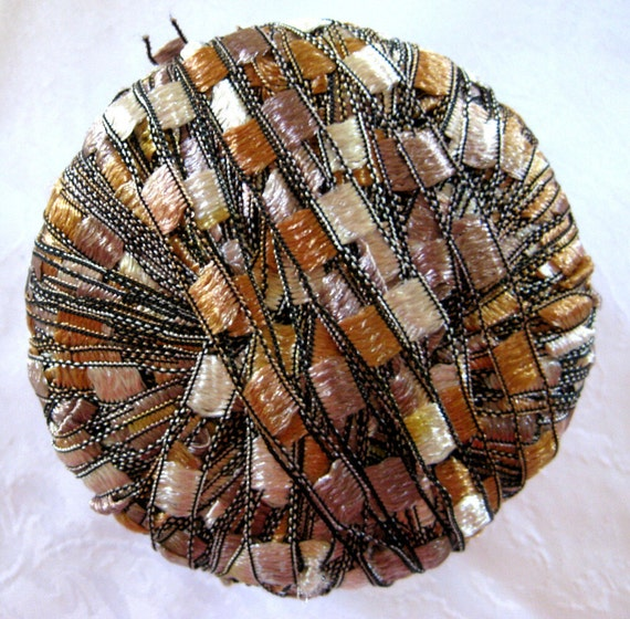 Ladder Ribbon Yarn, CARAMEL MAUVE, wide ribbon yarn, trellis yarn, champagne brown gold, Maxi 76
