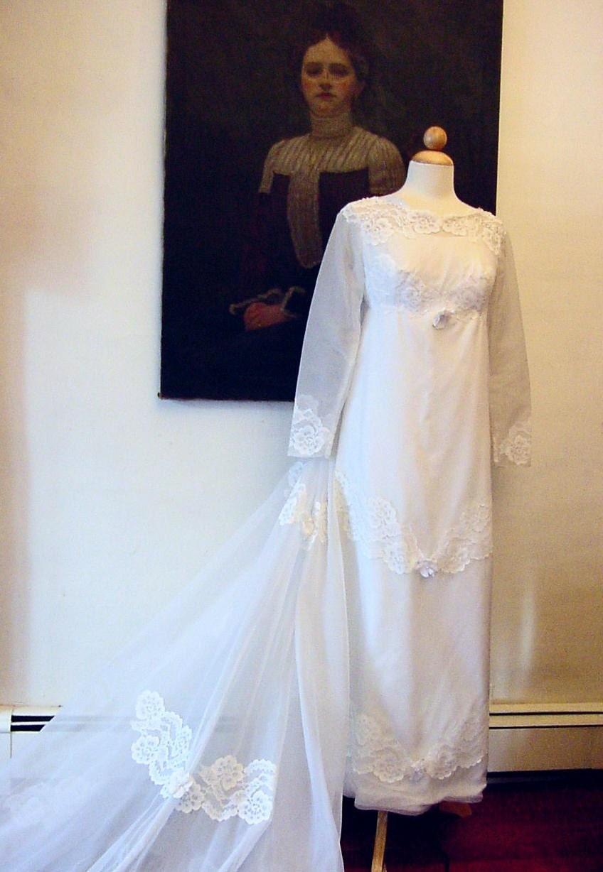 Jane Austen Style Vintage Wedding Gown 1960s Petite Free