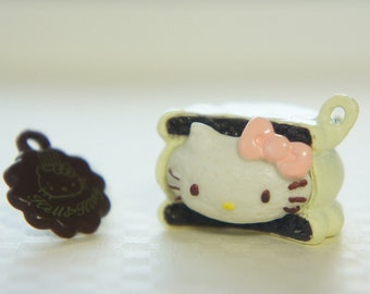 SALE 2 pcs Hello Kitty Sweets Charm (24mm25mm) White Chocolate Cookie Sandwich (((LAST)))