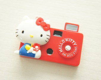 1 pc Hello Kitty Mirror Charm (35mm55mm) -Red Camera-