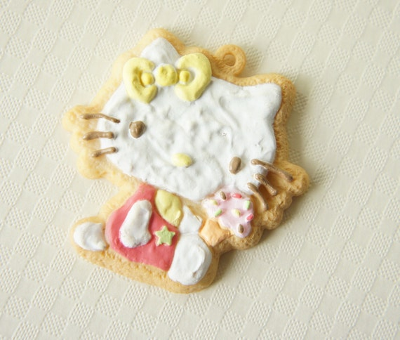 LIMITED Cookie Charm Hello Kitty holding Ice Cream (((LAST)))