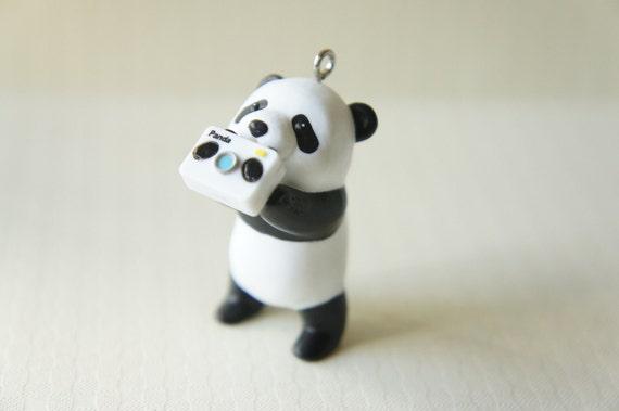LIMITED Panda Charm Holding Camera (H45mm)
